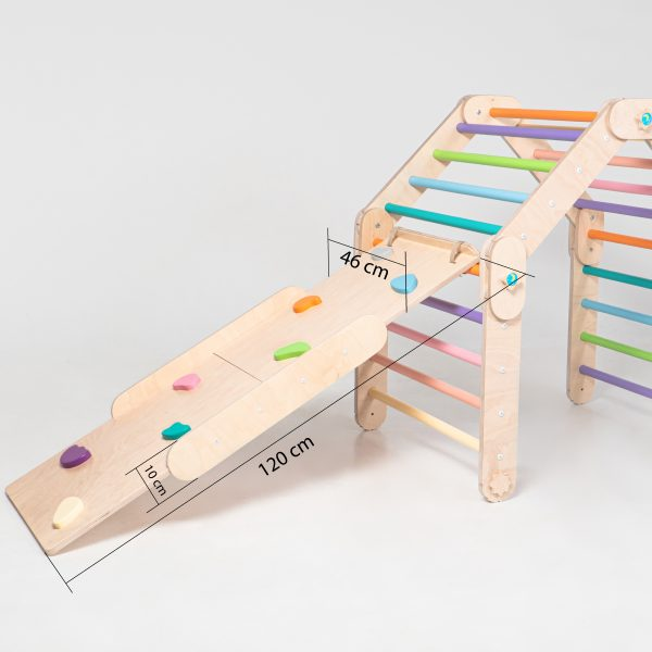 Foldable climber with ramp
